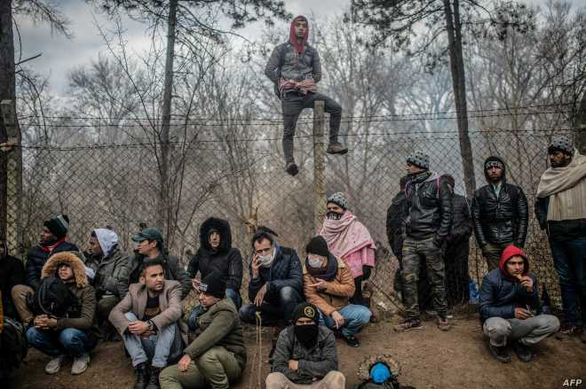 TOPSHOT-TURKEY-SYRIA-GREECE-MIGRANTS